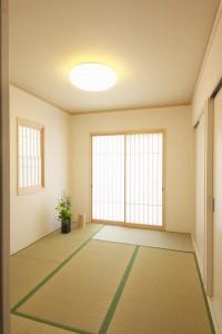 Empty Room pexels-photo-271649